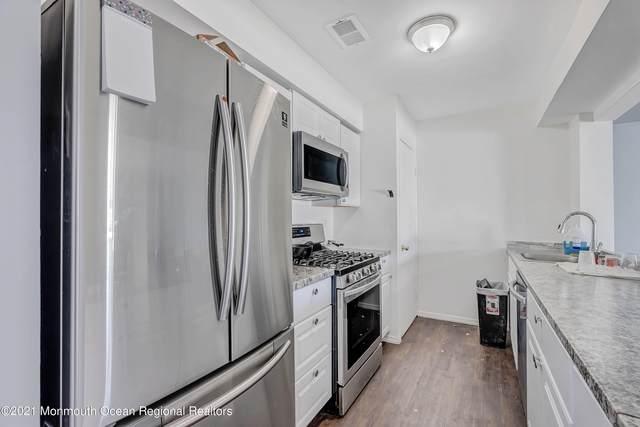 292 Crawford Street, Shrewsbury Twp, NJ 07724 (MLS #22123483) :: The MEEHAN Group of RE/MAX New Beginnings Realty