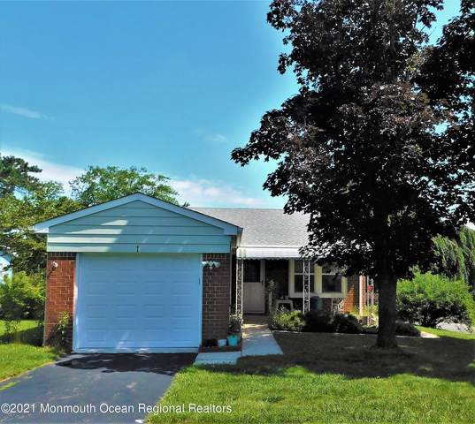 1 Lincoln Court, Whiting, NJ 08759 (MLS #22123558) :: The MEEHAN Group of RE/MAX New Beginnings Realty
