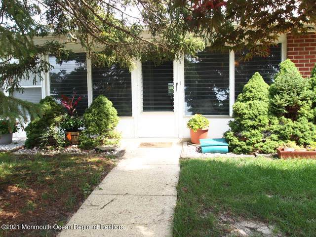1143E Argyll Circle, Lakewood, NJ 08701 (MLS #22123634) :: The MEEHAN Group of RE/MAX New Beginnings Realty