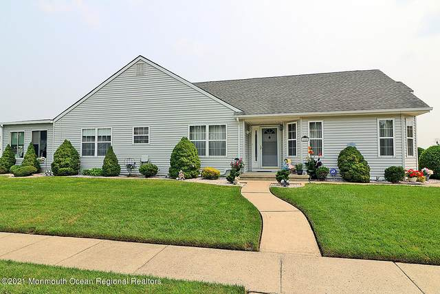 118 Portsmouth Drive, Toms River, NJ 08757 (MLS #22123782) :: The MEEHAN Group of RE/MAX New Beginnings Realty