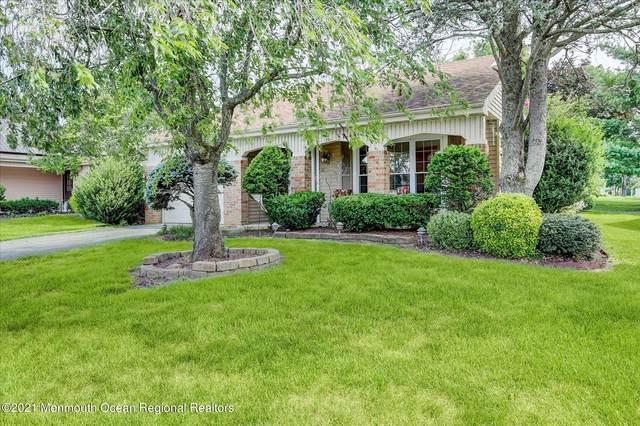16 Romford Lane, Manchester, NJ 08759 (MLS #22123821) :: Kiliszek Real Estate Experts