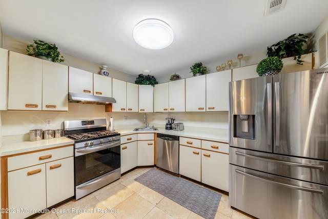 703 Zlotkin Circle #4, Freehold, NJ 07728 (MLS #22123912) :: PORTERPLUS REALTY