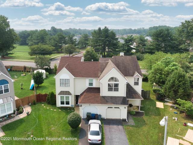 20 Fieldcrest Way, Freehold, NJ 07728 (MLS #22124114) :: The MEEHAN Group of RE/MAX New Beginnings Realty