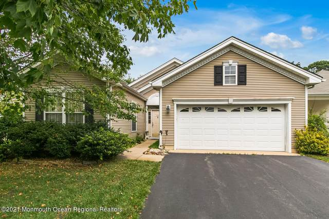 2 Greenhaven Court, Lakewood, NJ 08701 (MLS #22124332) :: The MEEHAN Group of RE/MAX New Beginnings Realty