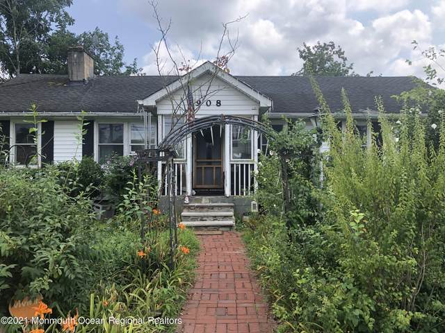 908 Monmouth Avenue, Toms River, NJ 08757 (MLS #22124402) :: The MEEHAN Group of RE/MAX New Beginnings Realty