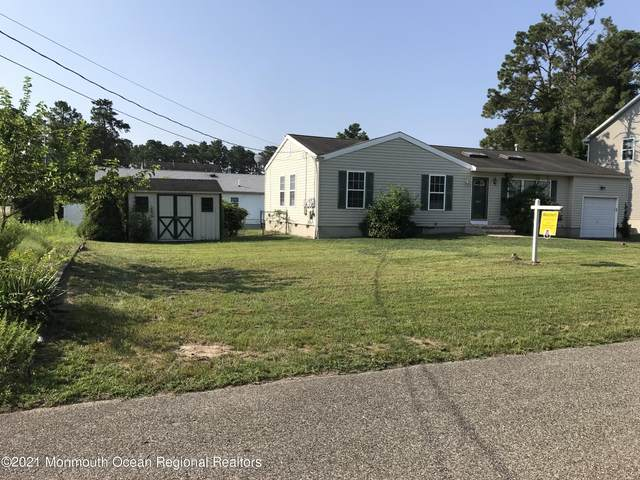 1032 Amsterdam Avenue, Toms River, NJ 08757 (MLS #22124627) :: The MEEHAN Group of RE/MAX New Beginnings Realty