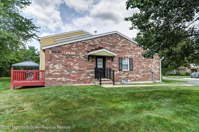 27 Hamilton Drive, Spotswood, NJ 08884 (MLS #22124667) :: The MEEHAN Group of RE/MAX New Beginnings Realty