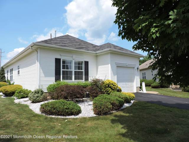 10 Chaminox Court, Manchester, NJ 08759 (MLS #22124681) :: The MEEHAN Group of RE/MAX New Beginnings Realty