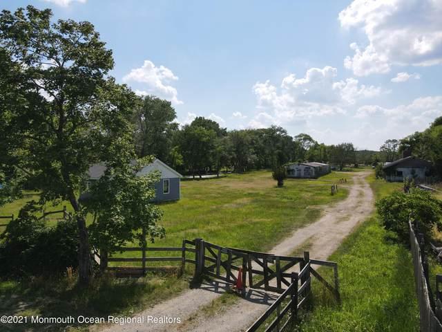 656 Lakewood Farmingdale Road, Howell, NJ 07731 (MLS #22124702) :: PORTERPLUS REALTY
