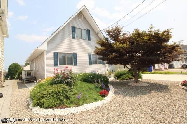 8 Rochester Drive, Brick, NJ 08723 (MLS #22124708) :: The MEEHAN Group of RE/MAX New Beginnings Realty