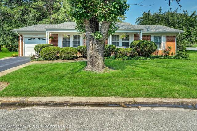 68 Franklin Lane, Whiting, NJ 08759 (MLS #22124945) :: The MEEHAN Group of RE/MAX New Beginnings Realty