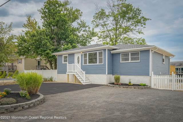 206 Teakwood Drive, Bayville, NJ 08721 (MLS #22124985) :: The MEEHAN Group of RE/MAX New Beginnings Realty