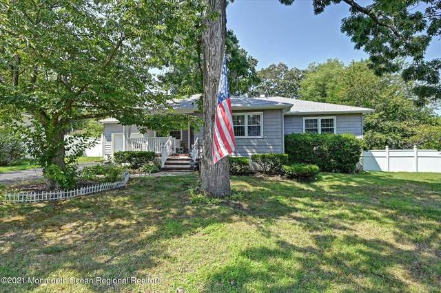 66 Crest Drive, Howell, NJ 07731 (MLS #22124999) :: The Sikora Group