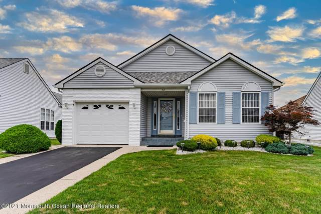 54 Portsmouth Drive, Toms River, NJ 08757 (MLS #22125366) :: The CG Group | RE/MAX Revolution