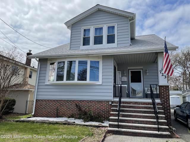 723 Rahway Avenue, Middlesex, NJ 08846 (MLS #22125486) :: William Hagan Group
