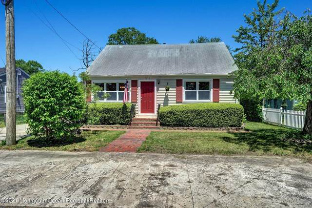 2210 2nd Avenue, Toms River, NJ 08753 (MLS #22125501) :: The CG Group | RE/MAX Revolution