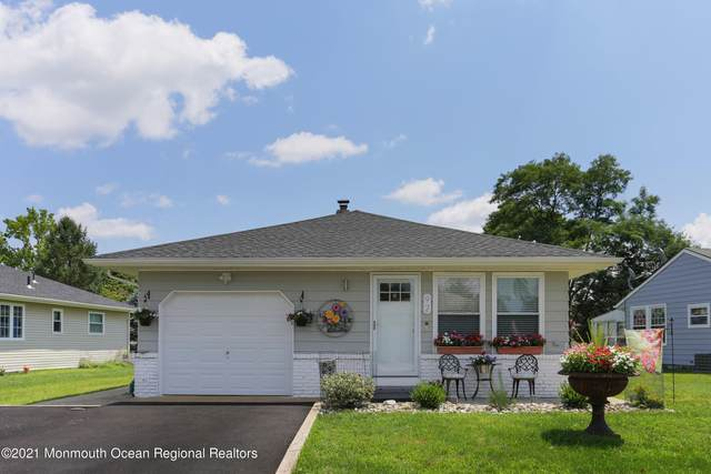 92 Scarborough Place, Toms River, NJ 08757 (MLS #22125517) :: The CG Group | RE/MAX Revolution