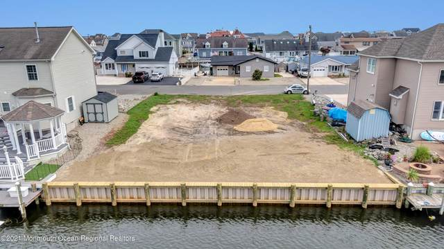 819 Bowline Drive, Forked River, NJ 08731 (MLS #22125718) :: The Streetlight Team at Formula Realty