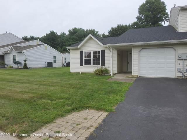 30 Harbor Circle, Howell, NJ 07728 (MLS #22125769) :: Provident Legacy Real Estate Services, LLC