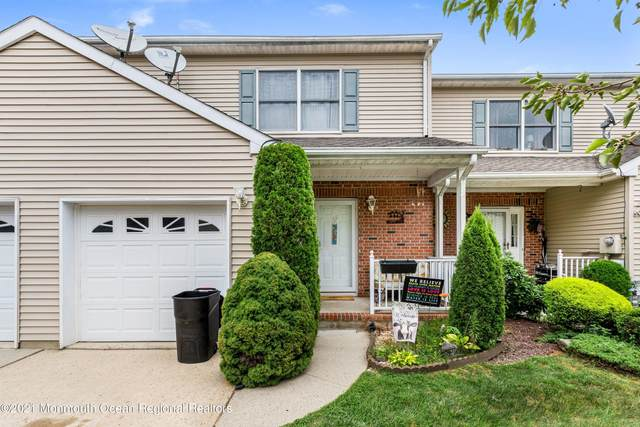 18 Goldsmith Drive, Spotswood, NJ 08884 (MLS #22127459) :: The MEEHAN Group of RE/MAX New Beginnings Realty