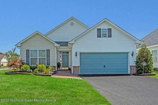 12 Eagle Ridge Circle, Lakewood, NJ 08701 (MLS #22128485) :: Corcoran Baer & McIntosh