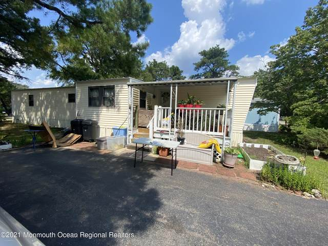 3 Autumn Court, Whiting, NJ 08759 (MLS #22128585) :: The Streetlight Team at Formula Realty