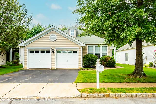 19 Bellflower Drive, Lakewood, NJ 08701 (MLS #22128764) :: William Hagan Group
