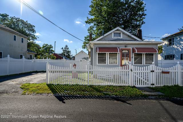 120 Mckinley Avenue, Laurence Harbor, NJ 08879 (MLS #22129700) :: Team Pagano