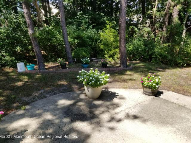 6C Salem Drive C, Whiting, NJ 08759 (MLS #22129715) :: William Hagan Group