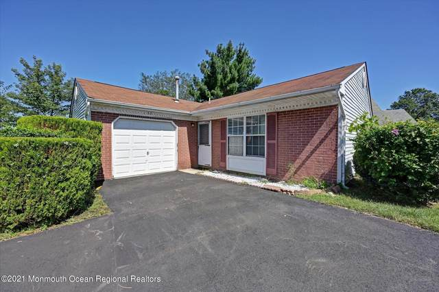 37 Datchet Close #1000, Freehold, NJ 07728 (MLS #22129942) :: The CG Group   RE/MAX Revolution