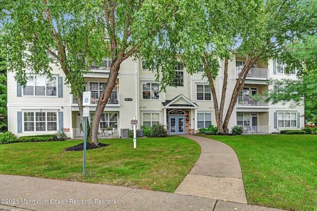 305 St Andrews Place, Manalapan, NJ 07726 (MLS #22130051) :: Laurie Savino Realtor
