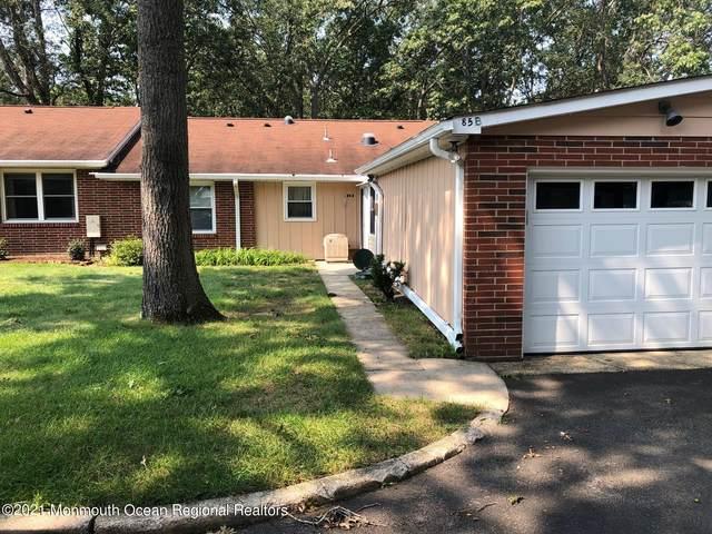85 Dorchester Drive B, Lakewood, NJ 08701 (MLS #22130292) :: William Hagan Group