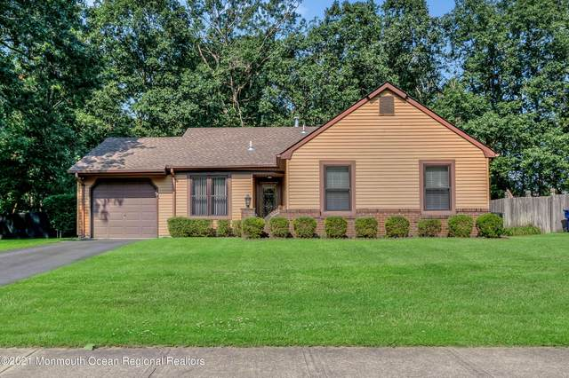 520 Leawood Avenue, Toms River, NJ 08755 (MLS #22130421) :: The MEEHAN Group of RE/MAX New Beginnings Realty