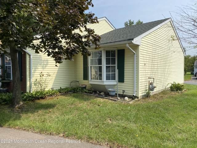 17 Morden Close #1000, Freehold, NJ 07728 (#22130450) :: Rowack Real Estate Team