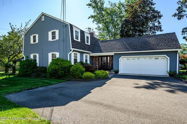 561 River Terrace, Toms River, NJ 08755 (MLS #22130713) :: The MEEHAN Group of RE/MAX New Beginnings Realty
