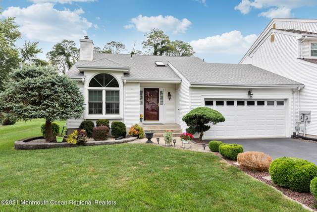 22 Hunters Pointe, Middletown, NJ 07748 (MLS #22130879) :: The CG Group | RE/MAX Revolution