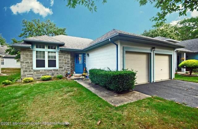 32 Waverly Lane, Jackson, NJ 08527 (MLS #22130906) :: Kiliszek Real Estate Experts