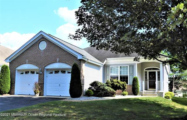 16 Greenfields Drive, Lakewood, NJ 08701 (MLS #22131022) :: The CG Group   RE/MAX Revolution