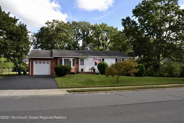 31 Southport Drive, Howell, NJ 07731 (MLS #22131320) :: The MEEHAN Group of RE/MAX New Beginnings Realty