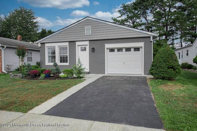 4 Elmswell Court, Toms River, NJ 08757 (MLS #22131397) :: The CG Group | RE/MAX Revolution
