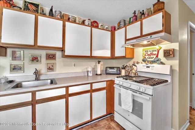 15 Bluebird Lane, Marlboro, NJ 07746 (MLS #22131550) :: Laurie Savino Realtor