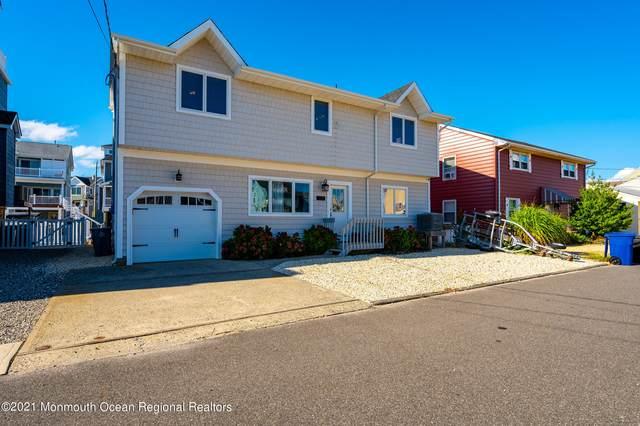 207 Heron Road, Lavallette, NJ 08735 (MLS #22131629) :: William Hagan Group