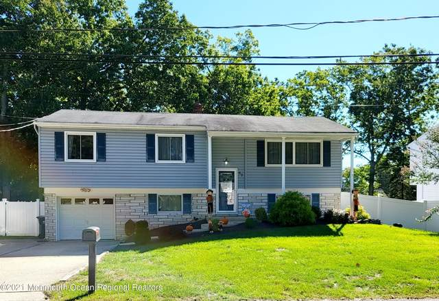 47 Jennifer Drive, Howell, NJ 07731 (MLS #22131842) :: The MEEHAN Group of RE/MAX New Beginnings Realty