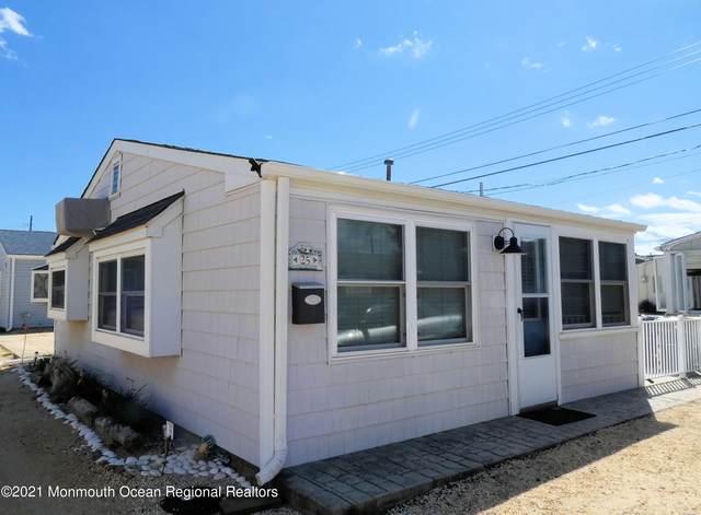 25 E Sandpiper Way, Lavallette, NJ 08735 (MLS #22132183) :: Kiliszek Real Estate Experts