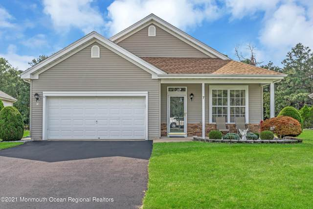 7 Cromwell Court, Manchester, NJ 08759 (MLS #22132369) :: The Streetlight Team at Formula Realty