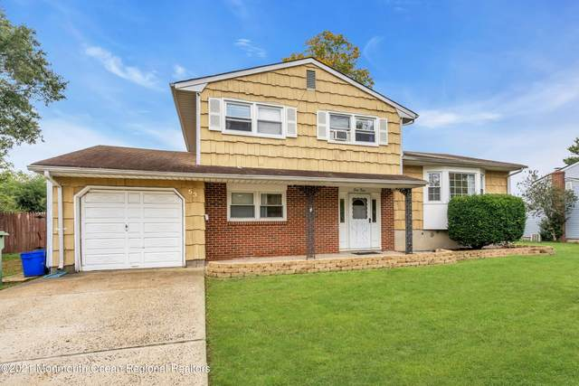 53 Holly Drive, Parlin, NJ 08859 (MLS #22132732) :: The MEEHAN Group of RE/MAX New Beginnings Realty
