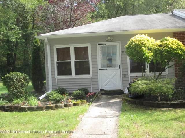 722A Buckingham Drive, Lakewood, NJ 08701 (MLS #22132790) :: Corcoran Baer & McIntosh