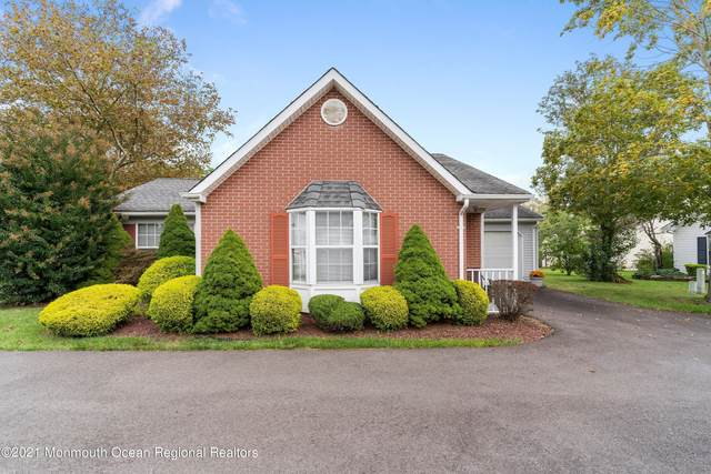 24 Morden Close #1000, Freehold, NJ 07728 (#22132920) :: Rowack Real Estate Team