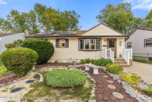 40 Bond Street, Freehold, NJ 07728 (MLS #22132991) :: The MEEHAN Group of RE/MAX New Beginnings Realty