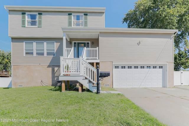813 Center Street, Union Beach, NJ 07735 (MLS #22133156) :: The Dekanski Home Selling Team